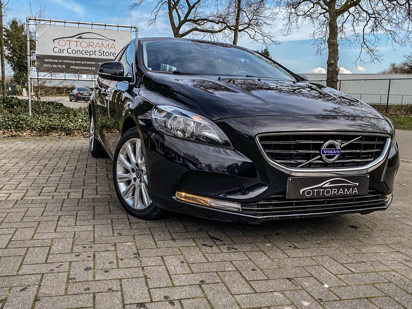 Volvo V40 MOMENTUM GEARTRONIC
